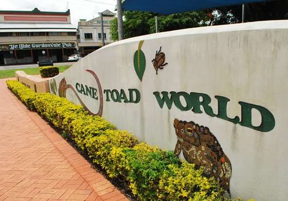 Cane Toad World Gordonvale Australia Front Sign australia  photo