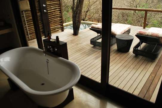 Luxury Safari Accommodation - Mountain Lodge