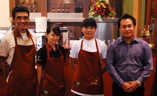 Rollass Staff for Kopi Luwak Coffee indonesia pestablogger 2009  photo image
