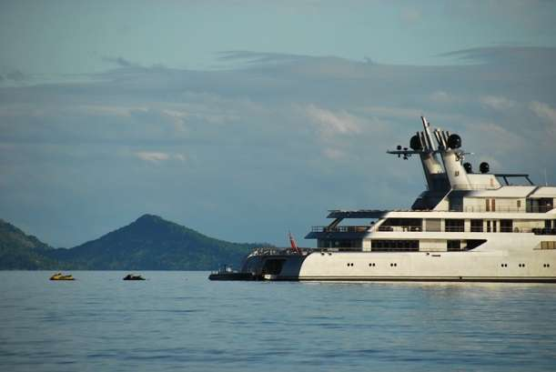Rich Boys Toys : Super yachts how the ultra rich travel tart